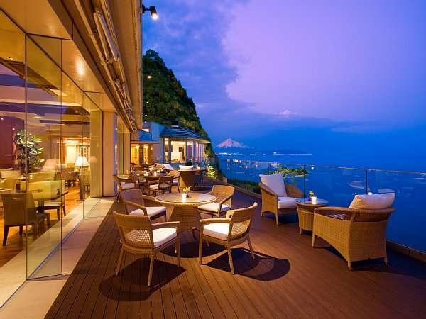 【カップル限定】リゾートホテルで過ごす2人だけの大切なひと時〜夕食ブッフェ