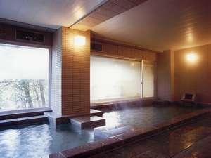 青森総檜露天風呂で飯坂の歴史を肌で感じながらゆっくりと温泉を楽しみいただけます。