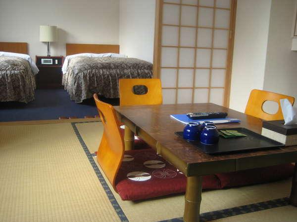 ご家族、シルバー世代に最適なツインと和室の付いたくつろぎのお部屋