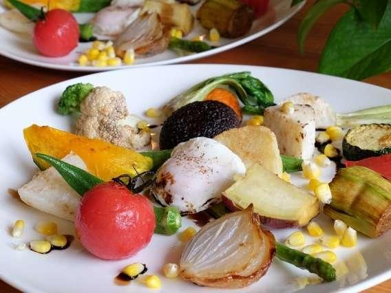 沢山の種類の野菜を使った前菜