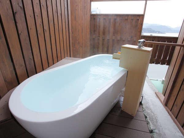 ☆上層階露天風呂付客室の露天風呂(一例)