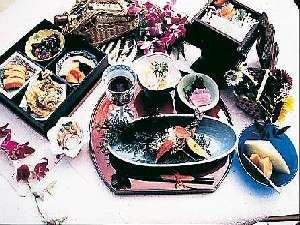 旬の地元素材を使用した和食会席