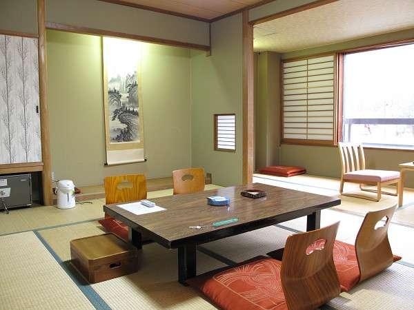 秋田駒ケ岳を一望できる東館客室
