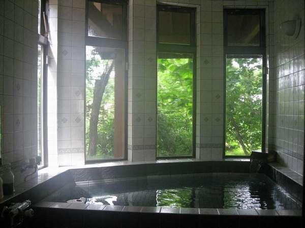 開放感溢れる貸切り家族風呂ゆったりタイプ