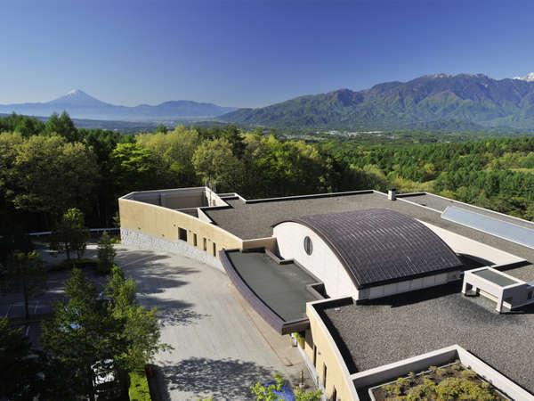 ダイヤモンド八ヶ岳美術館ソサエティの外観