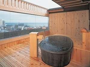 展望貸切露天風呂は全10室。1回50分の貸切で1室980円(展望貸切露天風呂 風の間)