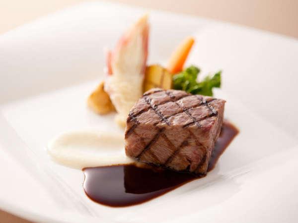 【ダイニング -Kobe Grill-】世界の神戸ビーフを味わう特撰フレンチディナー&50種以上の朝食ブッフェ