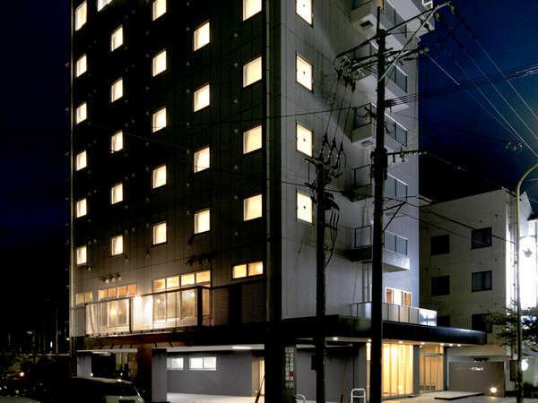 【外観】JR臼杵駅目の前なので、夜遅くの到着も安心ですね♪
