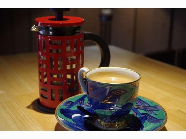 【離れkatsurasoカフェ】【カフェ好き必見】ジェラート3種と丸山珈琲の豆で本格フレンチプレス珈琲を愉しむ