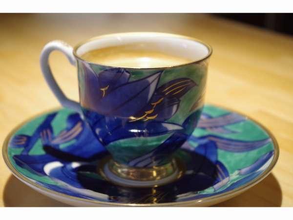 【カフェ好き必見】朝はゆっくり離れのkatsurasoカフェで丸山珈琲の豆で淹れたてコーヒーの香りに包まれて