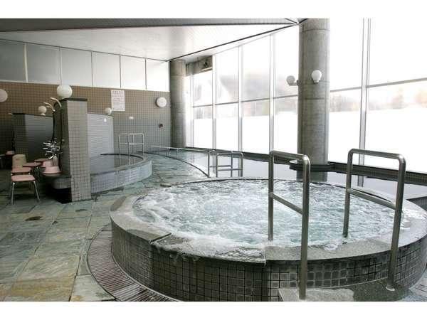 光明石温泉(人工)『つるつる素肌の湯』と言われる湯ざわりの優しい湯です。