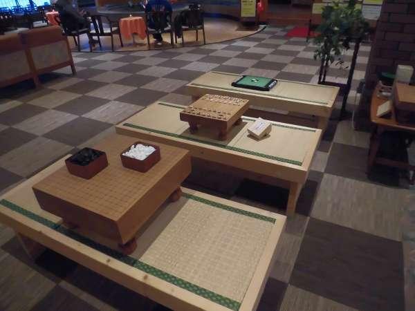 将棋と囲碁とオセロになります。