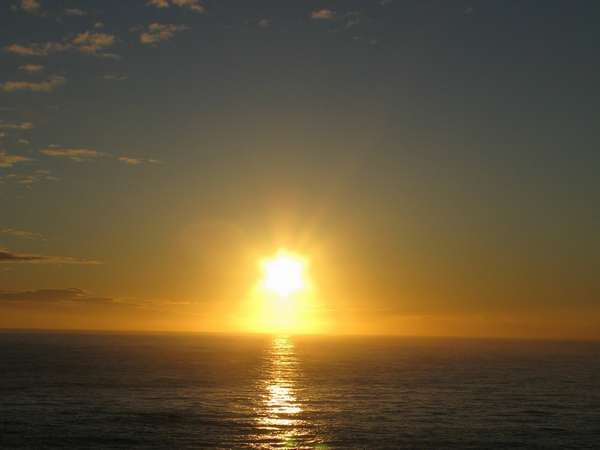 露天風呂から朝日を望む(秋)