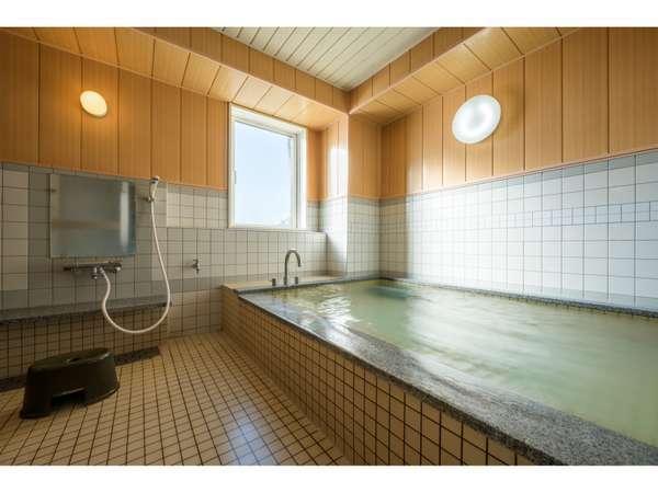 【男性用共同浴場】疲れた体をほっこり♪16時から翌朝9時まで入浴可能です♪
