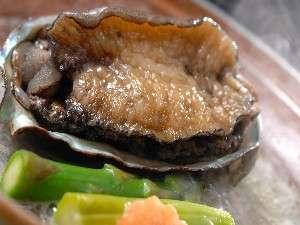 柔らかくて美味!鮑のステーキ