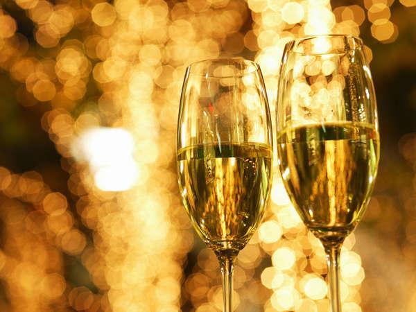 【記念日】特別な日を大切な人とお祝♪お部屋で≪ケーキ&フルーツワイン≫