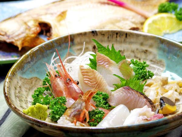 魚好きにはたまらない、新鮮な魚介類を、造り・蒸・焼き・煮と様々に調理してご提供。