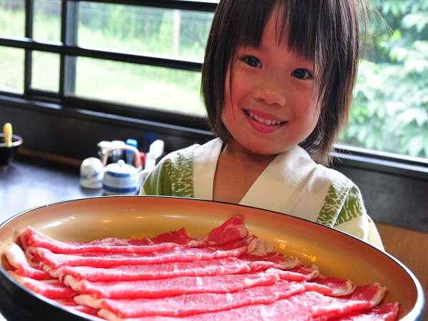 【焼肉】見てみてこんなに大きなお肉♪おうちでは味わえないボリュームを