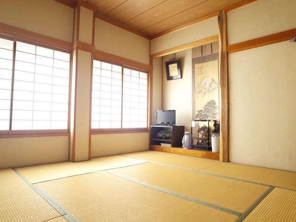 2~3名様8畳間1室素泊り、星空観察、コンビニまで30秒、飯田山本ICまで3分、七久里神社