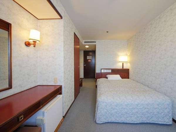 【部屋】松江城側シングルルーム 10~15平米/喫煙