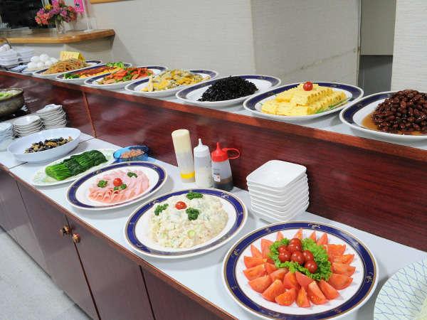 【朝食バイキング】品数は多めですのでお好きなものをどうぞ! ※当面の間、和定食でのご案内となります。