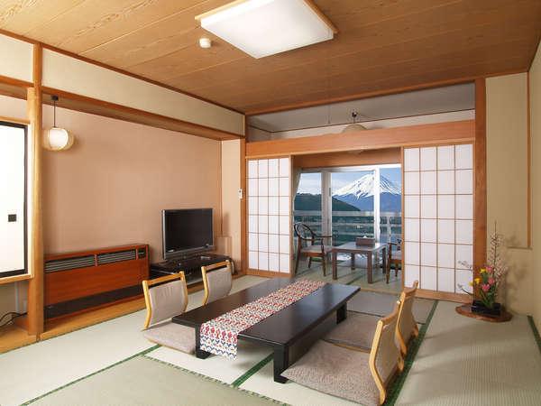 富士山・湖を望む和室の一例