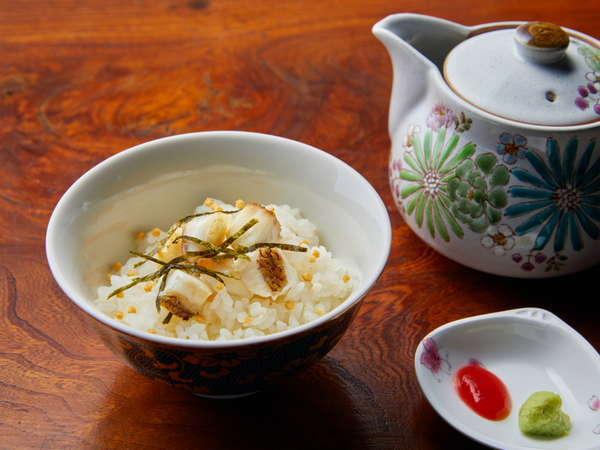 夕食「くずし懐石」ご飯 鯛茶漬け、漬物