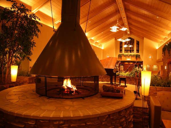 本館ロビーの暖炉 写真提供:じゃらんnet