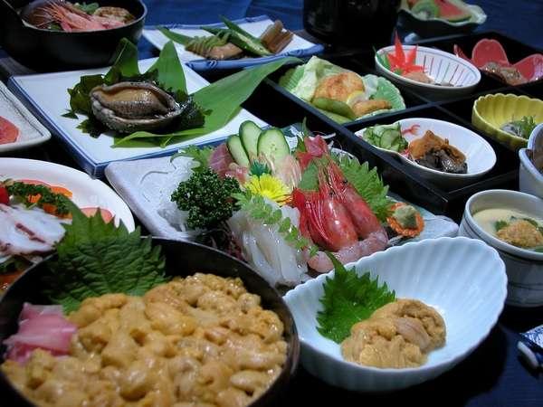 積丹海鮮フルコース積丹産の魚介と6月より8月末日まで生ウニ丼をご賞味ください。