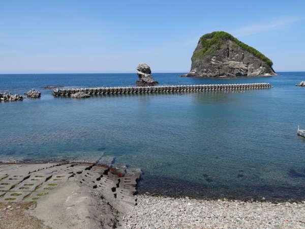 当館前浜専用ビーチで海水浴や磯遊びが楽しめます。