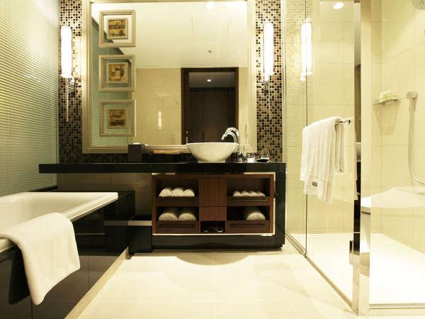 広々としたバスルーム。ウェスティンオリジナルのアメニティをご用意