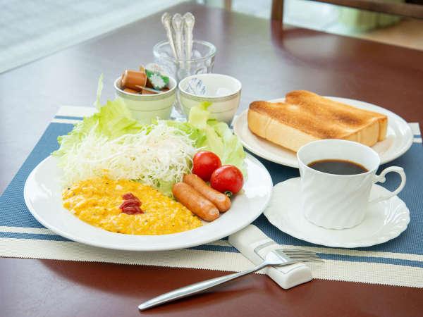 【朝食付】温泉は翌10時まで入りたい放題★箱根の山々を望みながら気軽に食す選べる朝食
