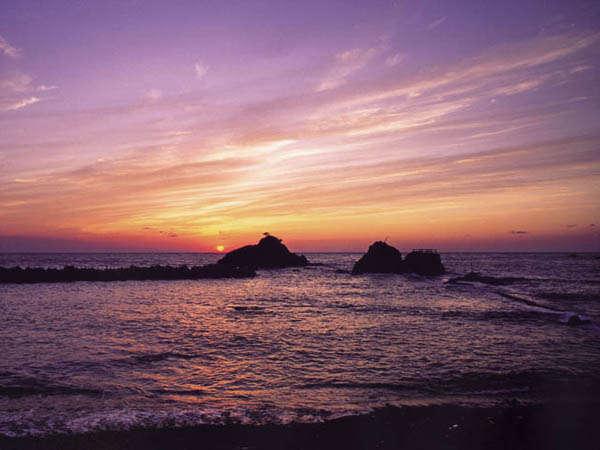 越前海岸。越前加賀海岸国定公園に位置し、福井県を代表する景勝地です。
