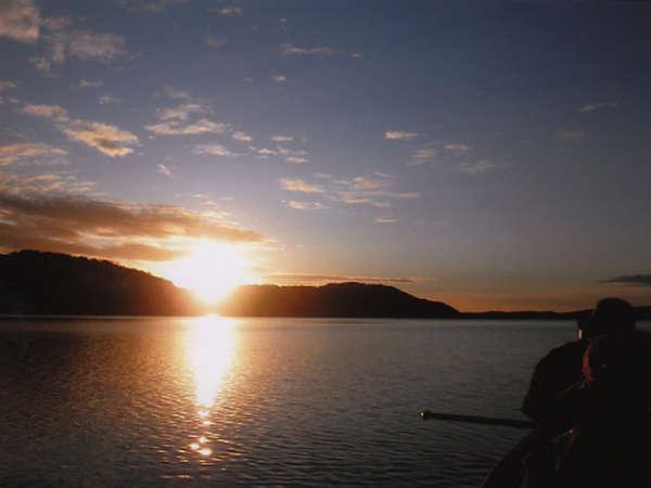 カヌーツアー(夕景)北海道・釧路湿原の大自然を満喫できる