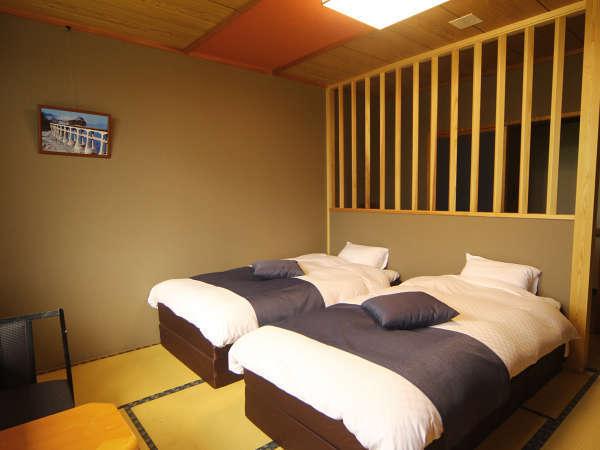 シニアのお客様もラクラク♪ツインベッドの和洋室です。