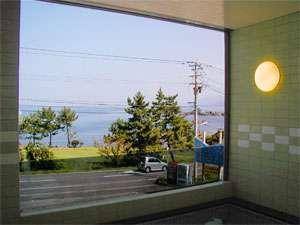 お風呂からは日本海を眺めれます☆
