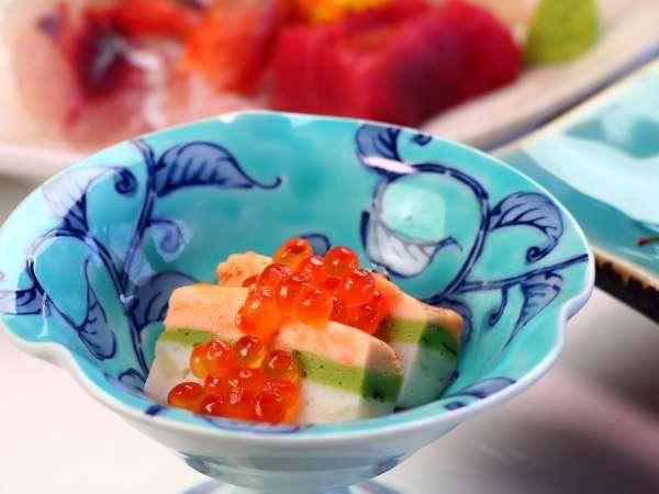 【料理の一例】氷見の季節の味わいが並びます