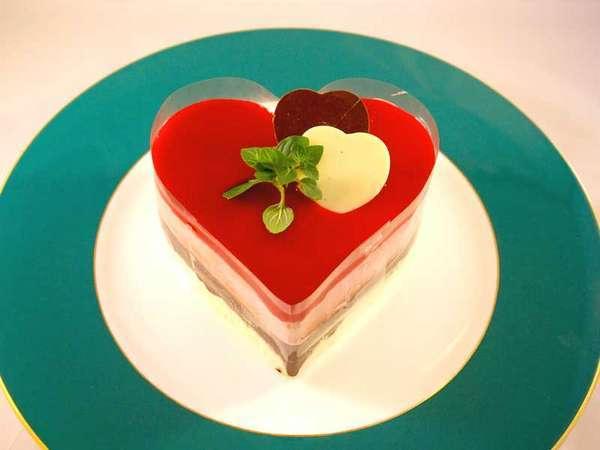 【記念日プラン2食付】 グラススパークリングワインとハート型ケーキでお祝い 1泊ディナー朝食付