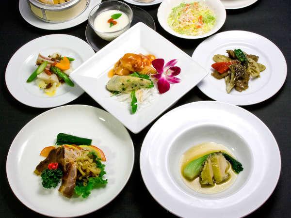 【2食付】◎お料理グレードアップBコース◎温泉と大人気本格中華ディナーに舌鼓♪
