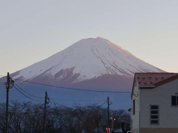 コテージと富士山です。