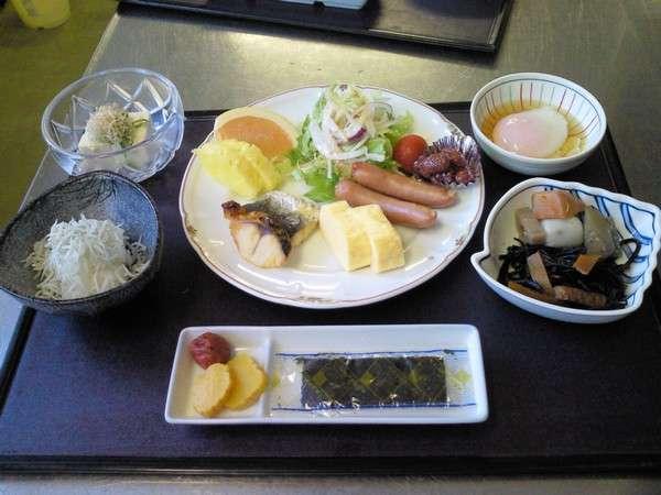 朝定食(一例)