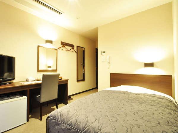 【シングル】ゆったりセミダブルベッドを配した客室