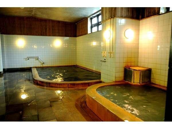 内風呂は2種類の源泉が楽しめます