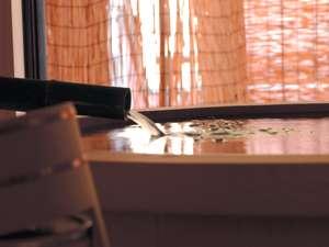 贅を尽くした露天風呂付客室。日頃の喧騒から離れて寛ぎのひとときを。