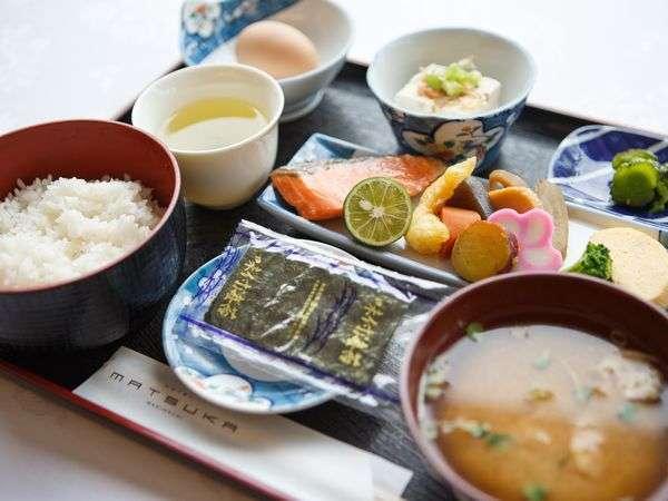 【朝食】ボリューム満点の和朝食!御飯とお味噌汁はおかわり自由です!(和or洋食からご選択下さい)