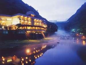 川霧の立つ旭川・砂湯に抱かれて・・ 静かで穏やかな秋の夜長をお楽しみ下さい