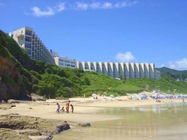 夏のホテル前ビーチ
