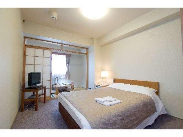 クイーンダブルルーム(23平米・ベッド幅140cm)全室有線LAN対応(畳スペース)