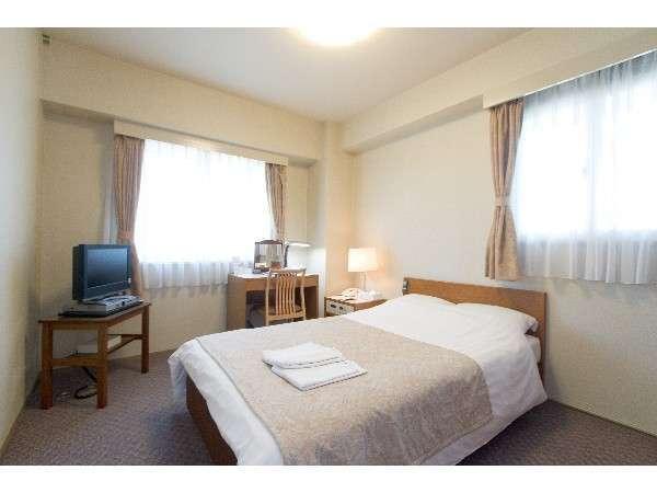 お部屋は全室18平米以上でゆったり!全室有線LAN対応です!