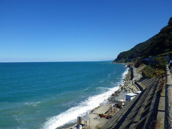 当館の周辺からはキレイな海が広がります♪